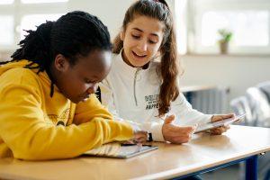 iPad-educacao-imigrantes